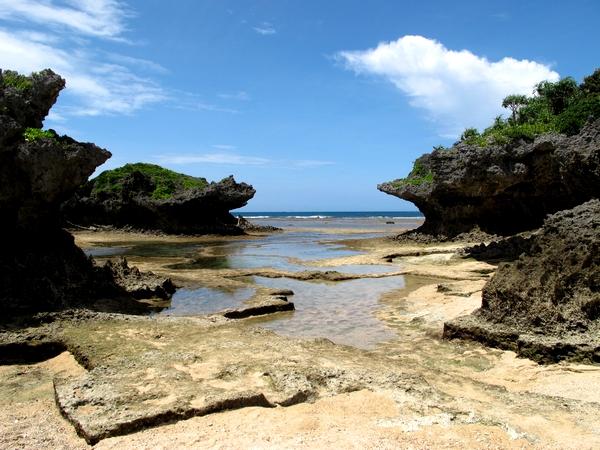 真栄田岬の穴場スポットの裏真栄田ビーチ