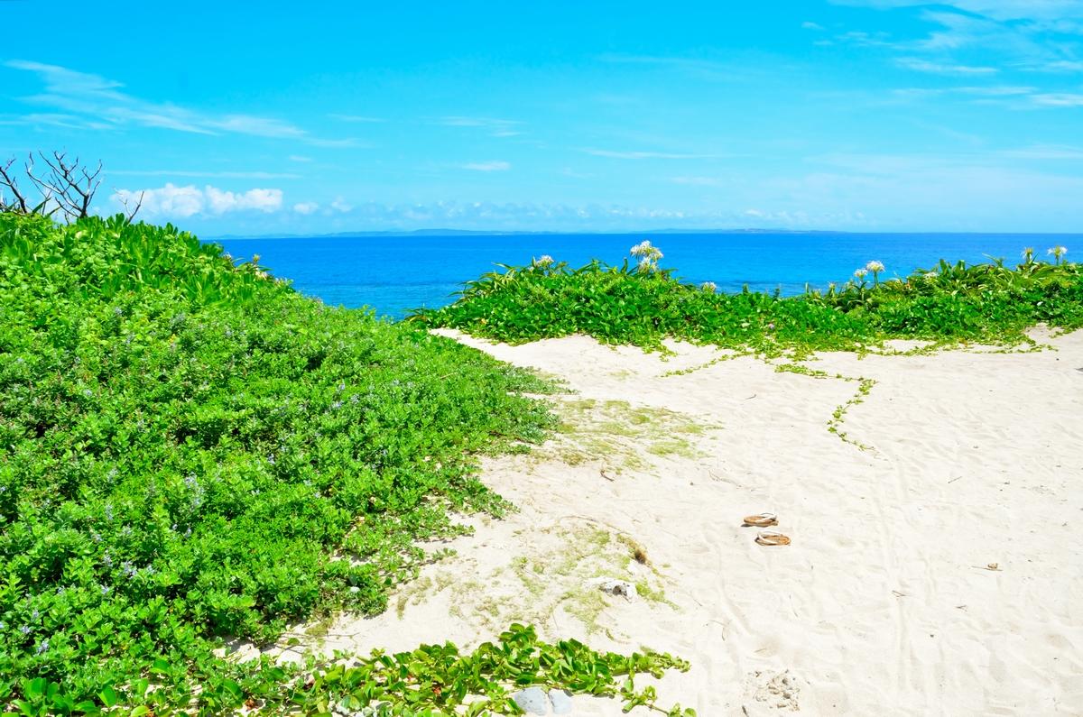 久高島 五穀伝説のイシキ浜(伊敷浜)